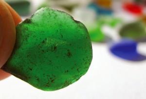 smaragdgrünes Meerglas
